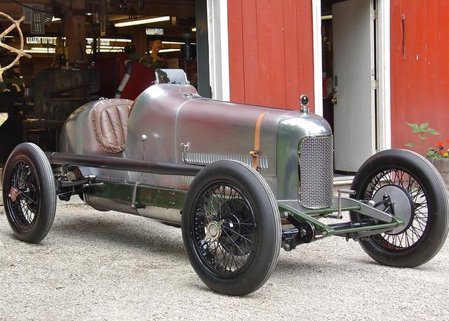1923-miller-122-race-car-restoration1453520509.jpg