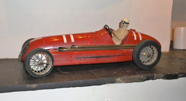 Wes-Raynor-Maserati-RC-Car.jpg